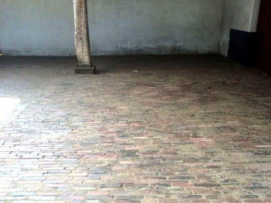 Makajo | Stratenmakers | Aanleg stalvloer